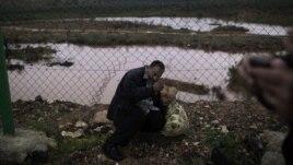 Prebegli Sirijac pokušava da ilegalno uđe u Tursku