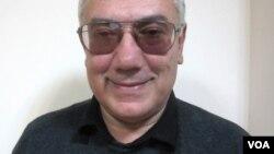 Ziyalılar Forumunun təsisçilərindən olan Eldar Namazov