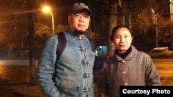 维权人士屠夫(吴淦)与朱承志妻子曾秋莲(推特图片/屠夫提供)