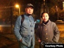 维权人士吴淦(左)与朱承志的妻子曾秋莲(资料图片/吴淦提供)