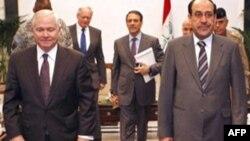 Sekretar za odbranu Robert Gejts i irački premijer Nuri al Maliki na sastanku u Bagdadu