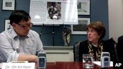 워싱턴의 민간기관인 맨드필드연구소에서 16일 열린 증언회에 참석한 오길남 박사