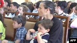 Shqipëri: Përpjekje të fëmijëve jetimë për t'u integruar