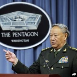 中国解放军总参谋长陈炳德星期三在五角大楼联合记者会上