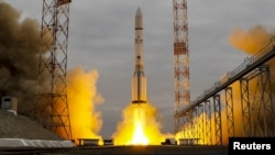 The Proton-M rocket, carrying the ExoMars 2016 spacecraft to Mars, blasts off from the launchpad at Baikonur cosmodrome, Kazakhstan, March 14, 2016.