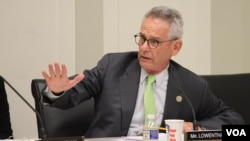 """FILE PHOTO - Congressman Alan Lowenthal (D- CA) speaks at the open hearing on """"Cambodia's Descent: Policies to Support Democracy and Human Rights,"""" at the Rayburn House Office Building, Washington DC, Tuesday December 12, 2017. (Sreng Leakhena/VOA Khmer)"""