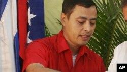 Rafael Isea, exministro de Hugo Chávez, es buscado por Interpol por cargos de presunta corrupción.