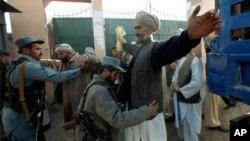 جنوبی افغانستان میں پولیس کی ساکھ میں ابتری