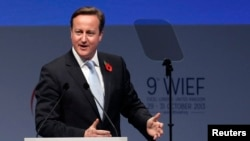 PM Inggris David Cameron memberikan sambutan pada Forum Ekonomi Islam Dunia (WIEF) di London, Selasa (29/10).