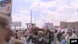 Yemen'de Askeri Üsse Saldırı