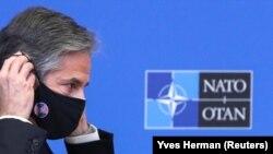 Menteri Luar Negeri AS Antony Blinken pada pertemuan Menteri Luar Negeri NATO di markas besar di Brussel, Belgia, 23 Maret 2021. (Foto: REUTERS/Yves Herman)