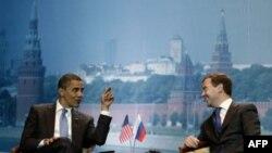 Барак Обама и Дмитрий Медведев на встрече в 2009 году