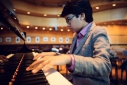 Indonesian Pianist, 12, 'Wows' Jazz World