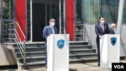 Avdulah Hoti i Ljuljzim Baša u Prištini, 20. jula 2020. (Foto: VOA)