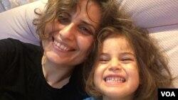 Öykü Arin Yazıcı ve annesi Eylem Şen Yazıcı