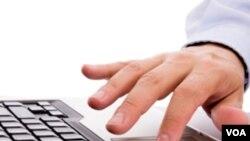 Penggunaan internet untuk keperluan pribadi di kantor bisa timbulkan masalah (ilustrasi).