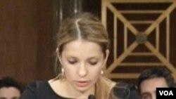 Eugenia Tymoshenko, puteri mantan PM Ukraina yang dipenjara, Yulia Tymoshenko memberikan kesaksian soal keadaan ibunya (2/2).