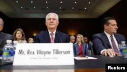 Rex Tillerson testifica ante la Comisión de Relaciones Exteriores del Senado.