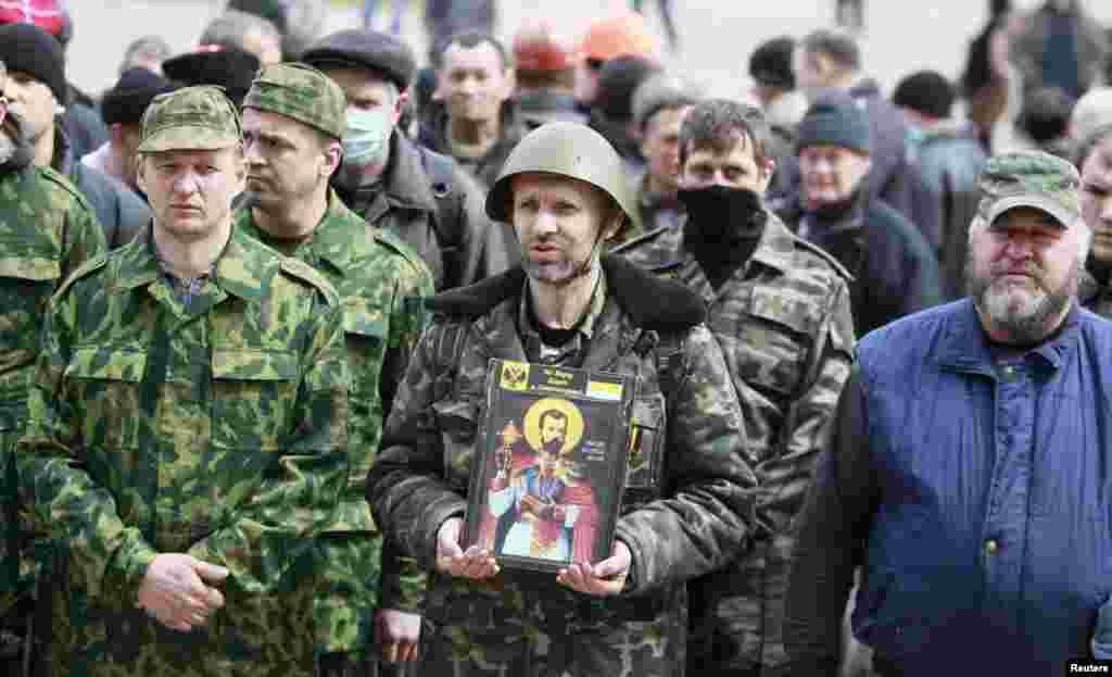 Ukraynanın Luqansk şəhərində Rusiyapərəstlərin aksiyası - 14 aprel, 2014