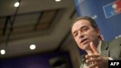 Ông Jean-Francois Cope nói ông không thấy ông Strauss-Kan có thể làm tròn trách vụ của mình trong vai trò lãnh đạo IMF