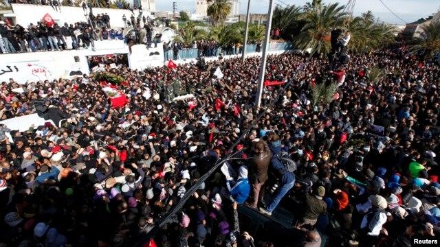 Lễ đưa tan ông Chokri Belaid, nhà lãnh đạo đối lập Tunisa bị ám sát