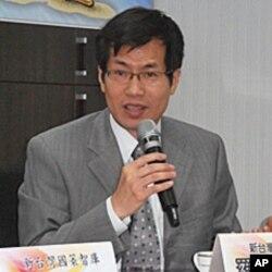 新台湾国策智库执行长 罗致政