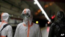 Pripadnici vojske dezinfikuju podzemnu željeznicu u Madridu