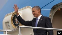 美国总统奥巴马抵达埃塞俄比亚首都亚的斯亚贝巴的国际机场(2015年7月25日)