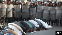 Egipatski aktivisti ispred policijskog kordona