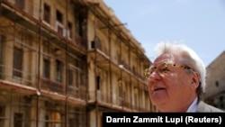 Sutradara film Inggris Sir Alan Parker mengunjungi Fort St Elmo, tempat sebagian besar film Midnight Express ditembak, di Valletta, Malta, 4 Juni 2016. (Foto: REUTERS/Darrin Zammit Lupi)