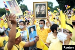 Tuần hành ủng hộ Quốc vương Thái Lan ngày 27/10/2020.