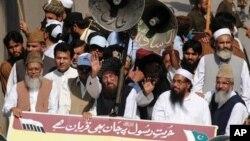 1일 파키스탄 북서부 페샤와르에서 벌어진 반이슬람 영상 항의 시위.