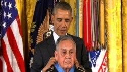 Обама вручил Медали почета ветеранам