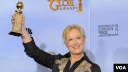 """Meryl Streep memenangkan Golden Globe sebagai aktris terbaik dalam drama film """"The Iron Lady"""", dan juga dinominasikan untuk Oscar (AP Photo/Mark J. Terrill)."""