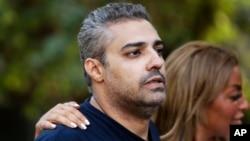 Jurnalis al-Jazeera asal Kanada, Mohamed Fahmy setelah dibebaskan dari penjara Torah di Kairo, Mesir, 23 September 2015 lalu (foto: dok).