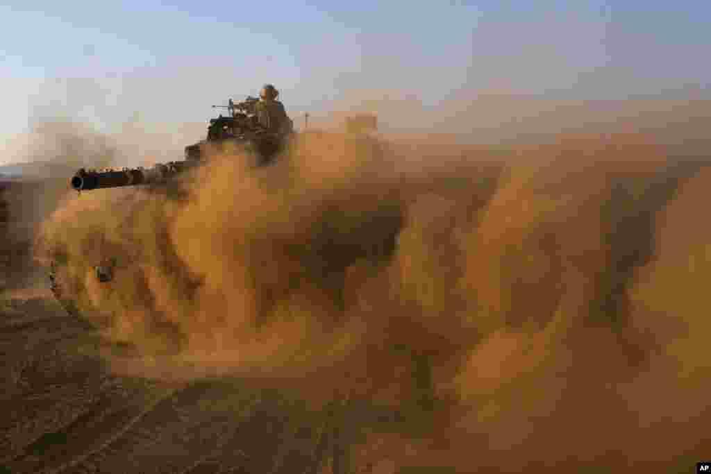 Izraelski tenk na Golanskoj visoravni, nedaleko od granice sa Sirijom.