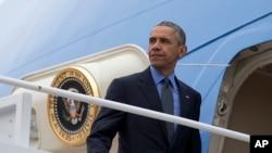 Tổng thống Barack Obama sẽ là tổng thống Mỹ thứ ba đến thăm Việt Nam thời hậu chiến.