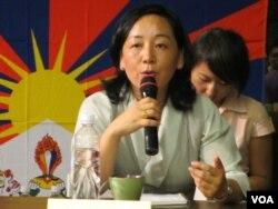 西藏流亡政府外交及新闻部部长德吉曲央 (美国之音张永泰拍摄)