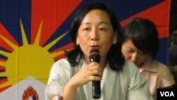 西藏流亡政府外交及新聞部部長德吉曲央 (美國之音張永泰拍攝)