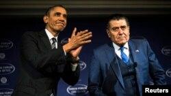 오바마 미국 대통령이 이스라엘계 미국 언론 하임 사반이 마련한 토론회장에 연설하기 위해 도착했다.
