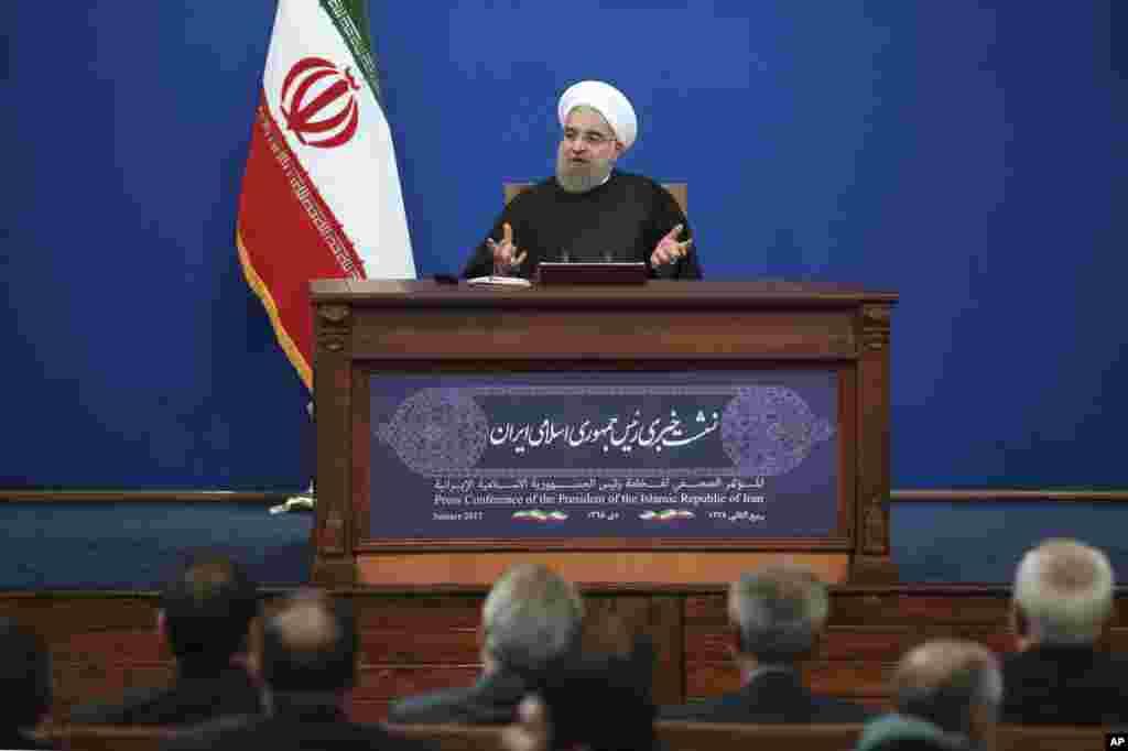 رئیس جمهوری ایران در یک نشست خبری در تهران درباره بازنگری در برجام گفت، ایران مذاکره دوباره درباره مسئله هسته ای را غیرممکن می داند.