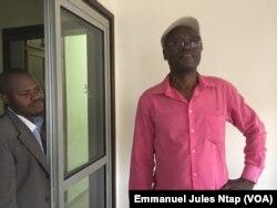 """Echos du palais"""", un artiste engagé pour Paul Biya, à Yaoundé, le 12 novembre 2018."""