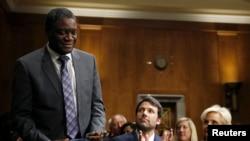 Denis Mukwege aplaudido pelo actor americano Ben Affleck