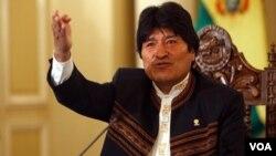 El mandatario boliviano también dijo que EE.UU. utiliza el tema del narcotráfico para controlar a los países de América Latina.
