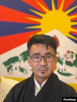 位於台北的西藏台灣人權連線理事長札西慈仁