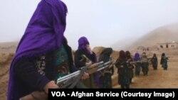 حال شماری از زنان در کنار تندروان گروه دولت اسلامی یا داعش در افغانستان مصروف جنگ در برابر حکومت افغانستان است