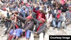 Abalandeli bebandla leMDC-T bathi lizanqoba kukhetho oluzayo. Okwamanje ibandla leli libukisa elikwenzayo kwezombusazwe embukisweni weHarare Agricultural Show.