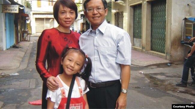 Gia đình nhà giáo Phạm Minh Hoàng.
