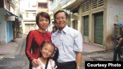 Gia đình ông Phạm Minh Hoàng