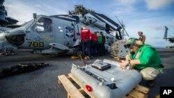 Quân đội Mỹ gia tăng các nỗ lực để đưa phẩm vật cứu trợ tới tay các nạn nhân bão Haiyan.